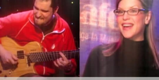 Live at Club Cafe Episode 9 features split screen of two music artists to preform on the stage of Club Cafe in Pittsburgh, Pennsylvania, Charlie Hunter on the left and Lisa Loeb on the right (video production by Merging Media).